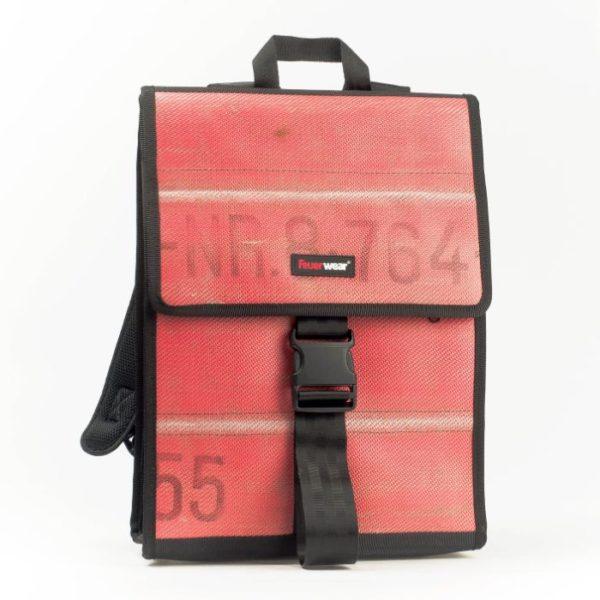 Rucksack Eric aus gebrauchtem Feuerwehrschlauch, rot